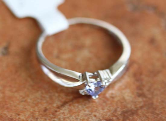 10K White Gold Diamond Accent Tanzanite Ring Size 6 1/2