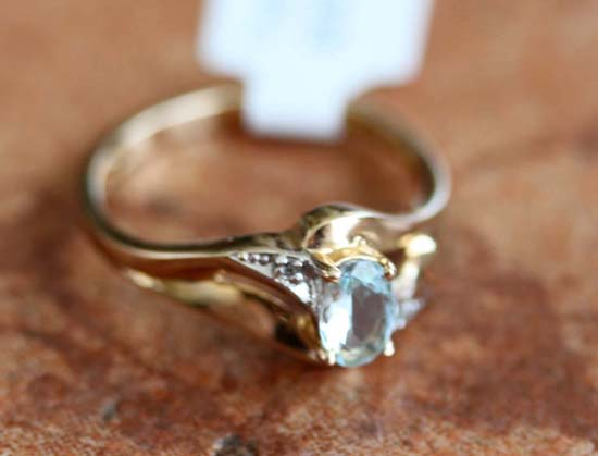 10K Yellow Gold Diamond Accent Aquamarine Ring Size 6 1/2